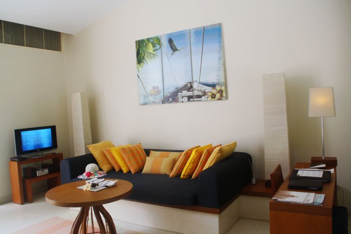 马尔代夫游记(二)港丽希尔顿的沙滩屋