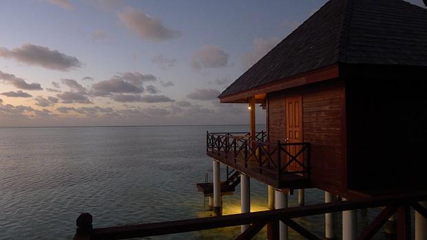 水上屋的日出